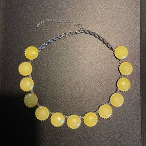 Stunning Yellow silver tone necklace